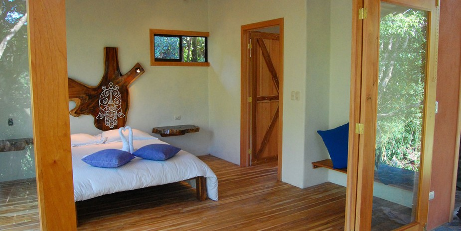 Jungle Cabin Hamsa in Beautiful Costa Rica